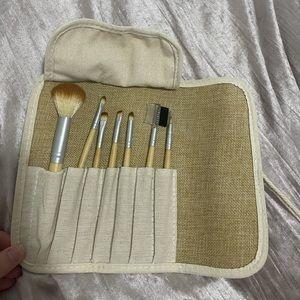 Makeup Brush Set and Carry Case